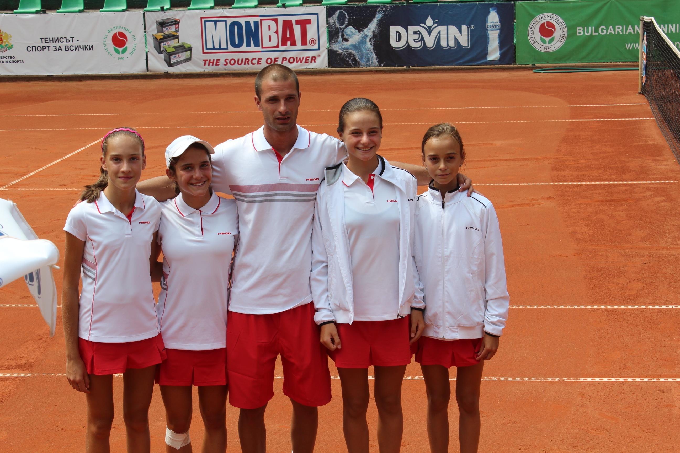 България спечели плейофа срещу Франция и се класира за финалите на лятната европейска купа за момичета до 12 г.