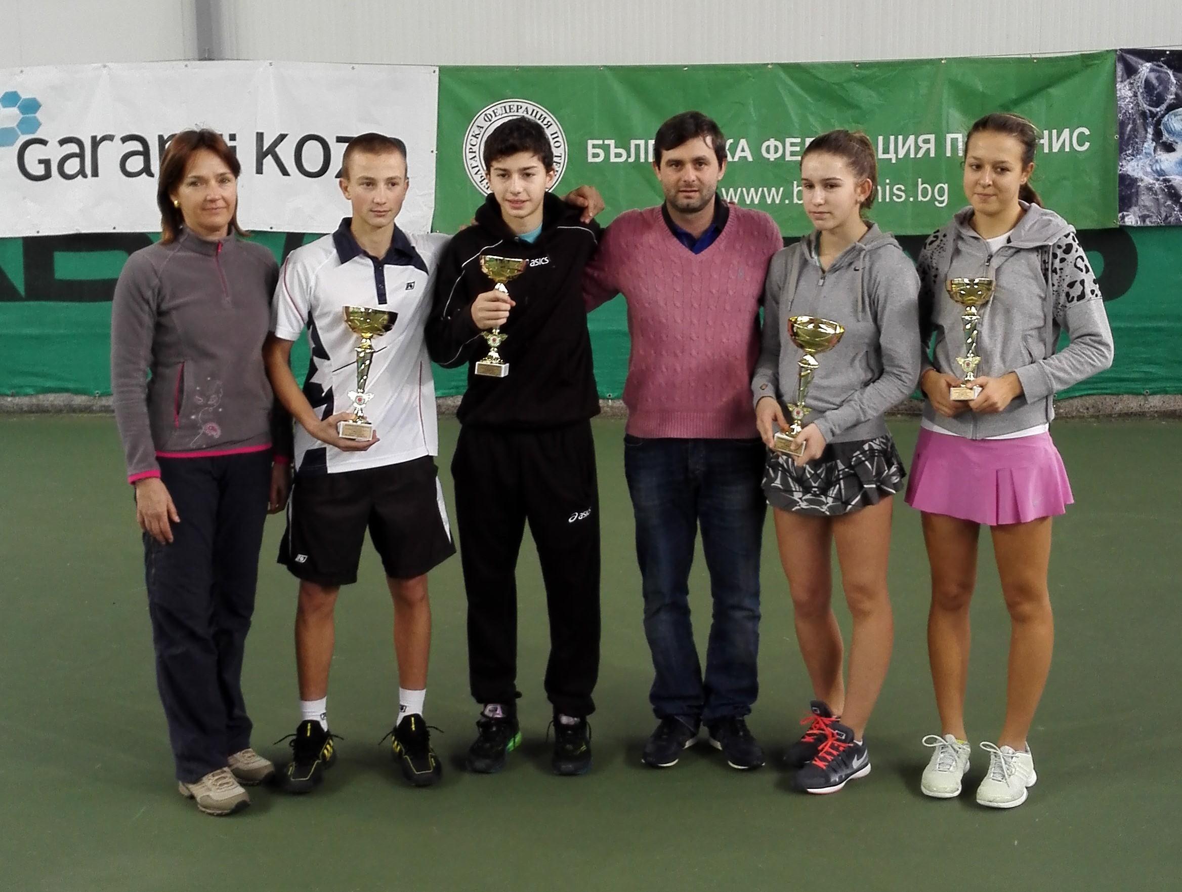 Палазов и Топалова с титлите от държавното до 16 години